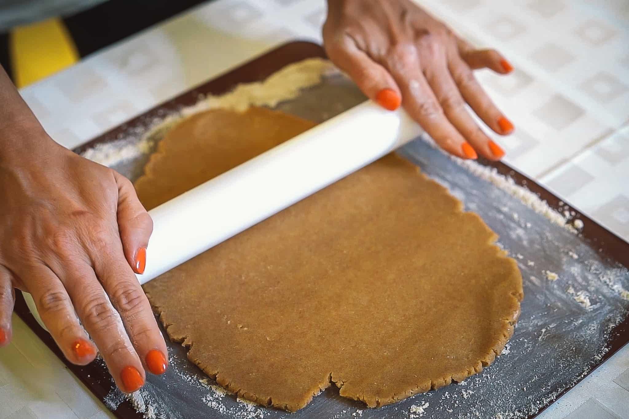 Perníková tortička s orechovo-ríbezľovou náplňou