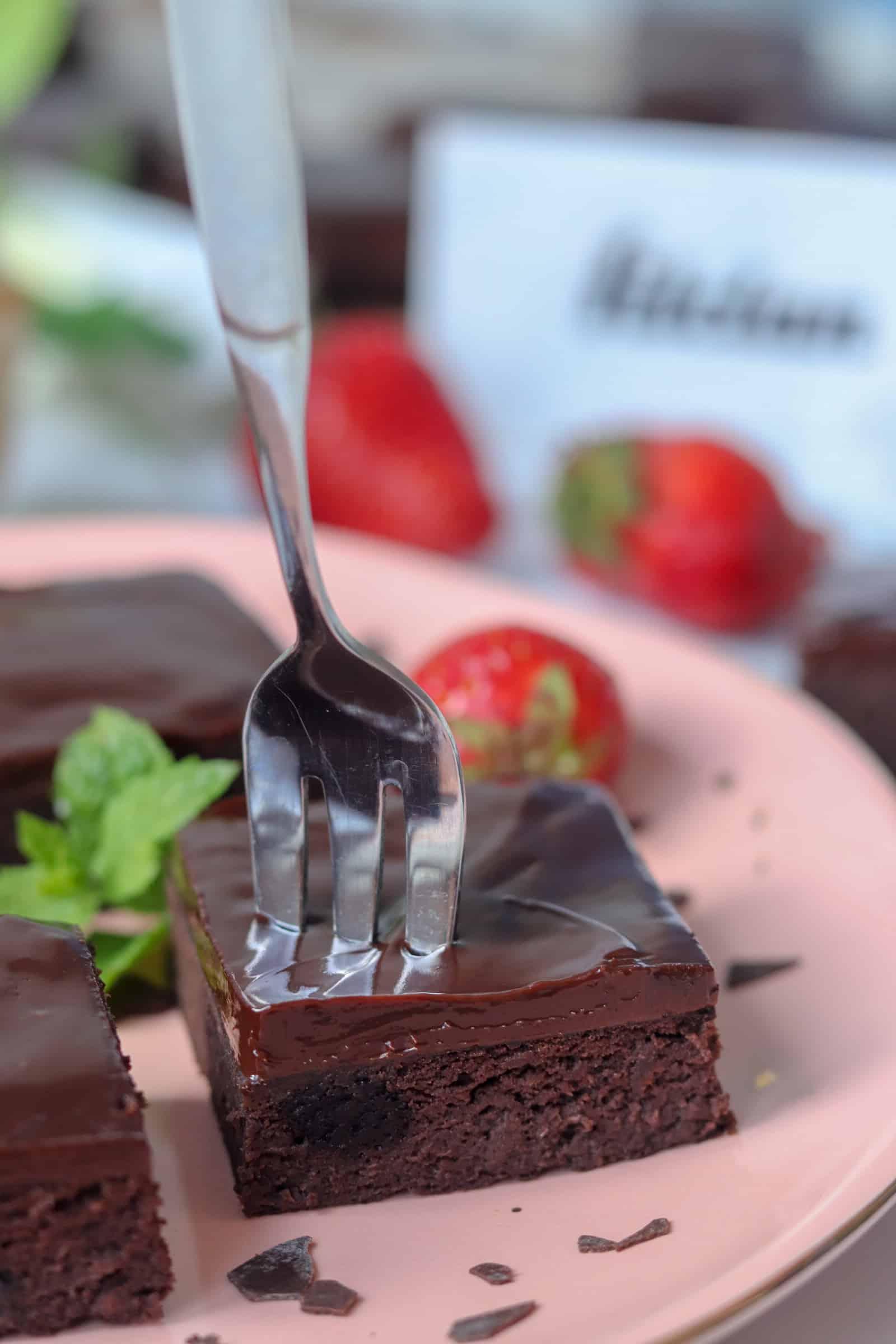 Fazuľové brownies s čokoládovým krémom