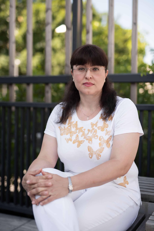 Dermatologička Elena Šustrová v rozhovore hovorí, že mať zdravú kožu nemusí byť veda, keď sa pri starostlivosti o ňu vedou riadite