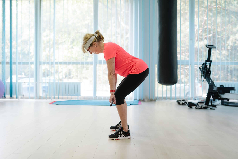 Rozhovor s trénerom Petrom Jurinom o tom, prečo je cvičenie dôležité v každom veku (+ 5 skvelých cvikov, vďaka ktorým sa budete cítiť lepšie)